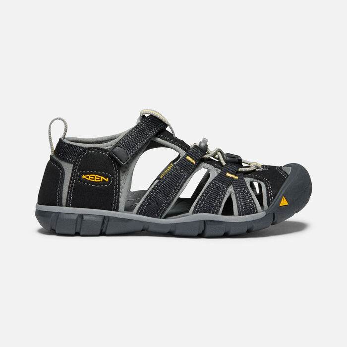 Older Kids' Seacamp II Cnx Sandals in Black/Yellow - large view.