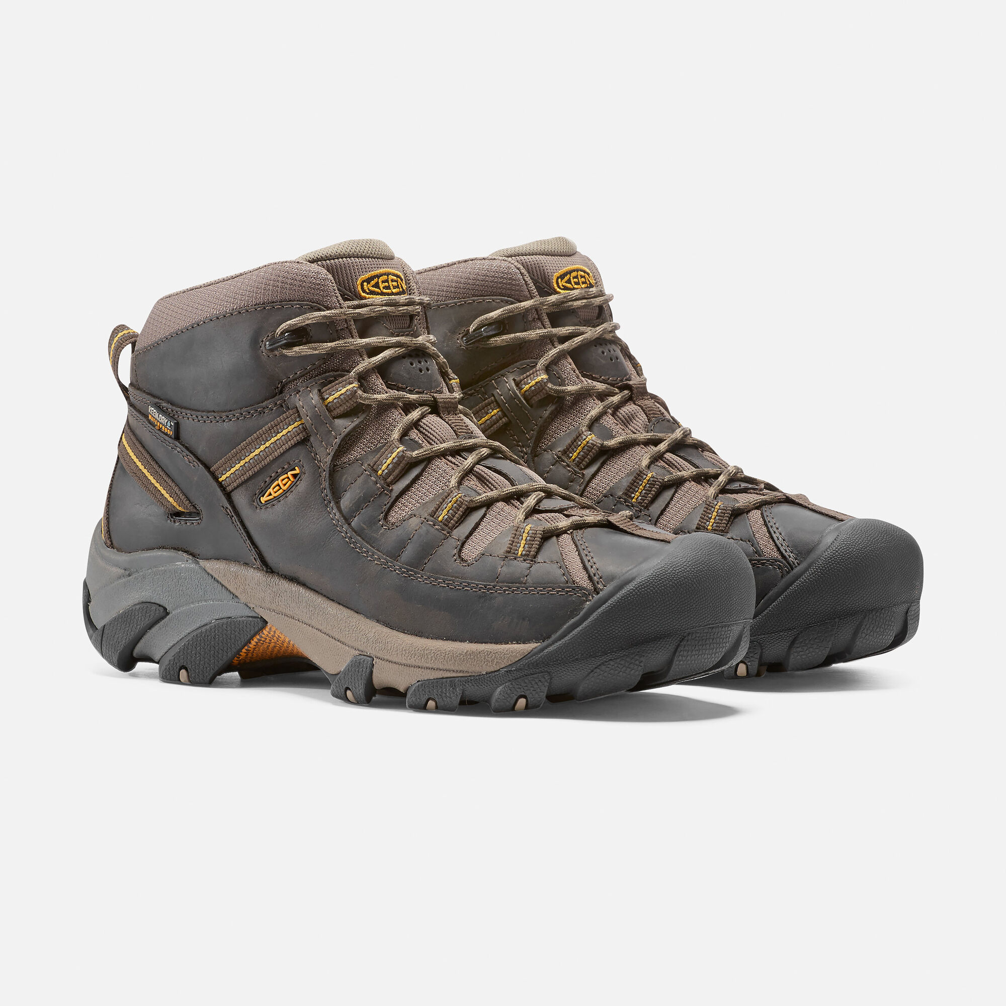 d067e05b5f5 Men s Targhee II Waterproof Mid in - on-body view.