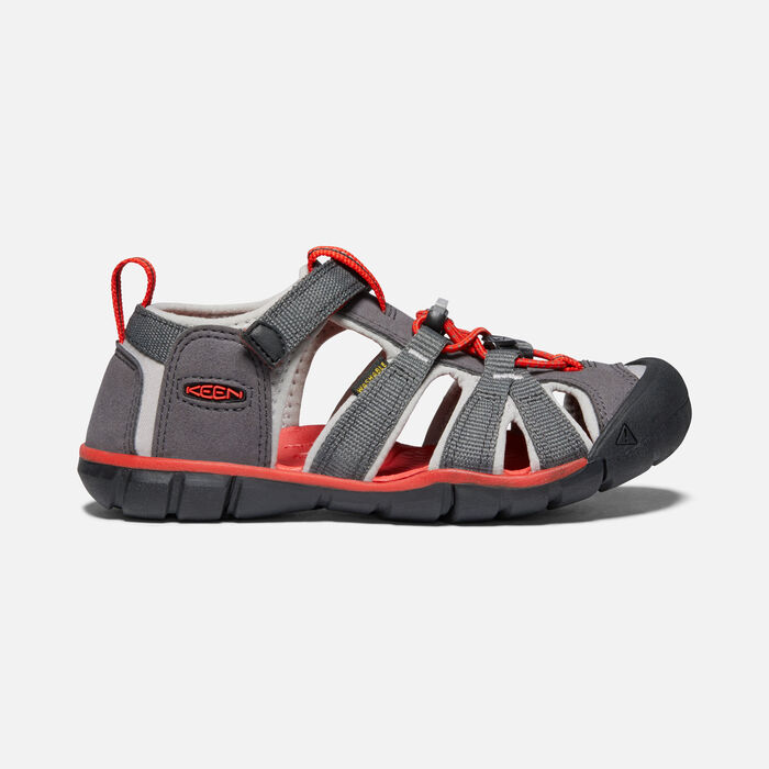 Younger Kids' Seacamp II Cnx Sandals in Magnet/Drizzle - large view.