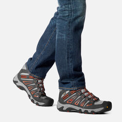 MEN'S OAKRIDGE WATERPROOF MID HIKING BOOTS in  - on-body view.
