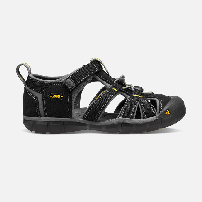 Younger Kids' Seacamp II Cnx Sandals in Black/Yellow - large view.