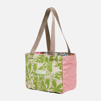 Sula Lunch Tote in Leaf Green - large view.
