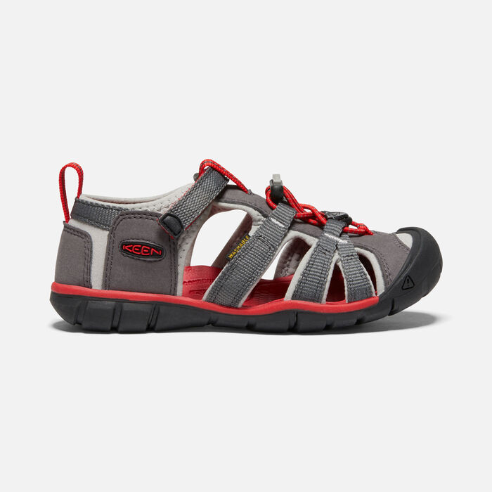 Older Kids' Seacamp II Cnx Sandals in Magnet/Drizzle - large view.