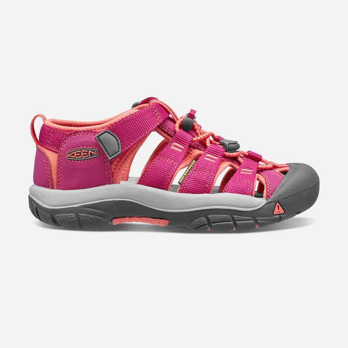 Older Kids' Newport H2 in Verry Berry/Fusion Coral - large view.